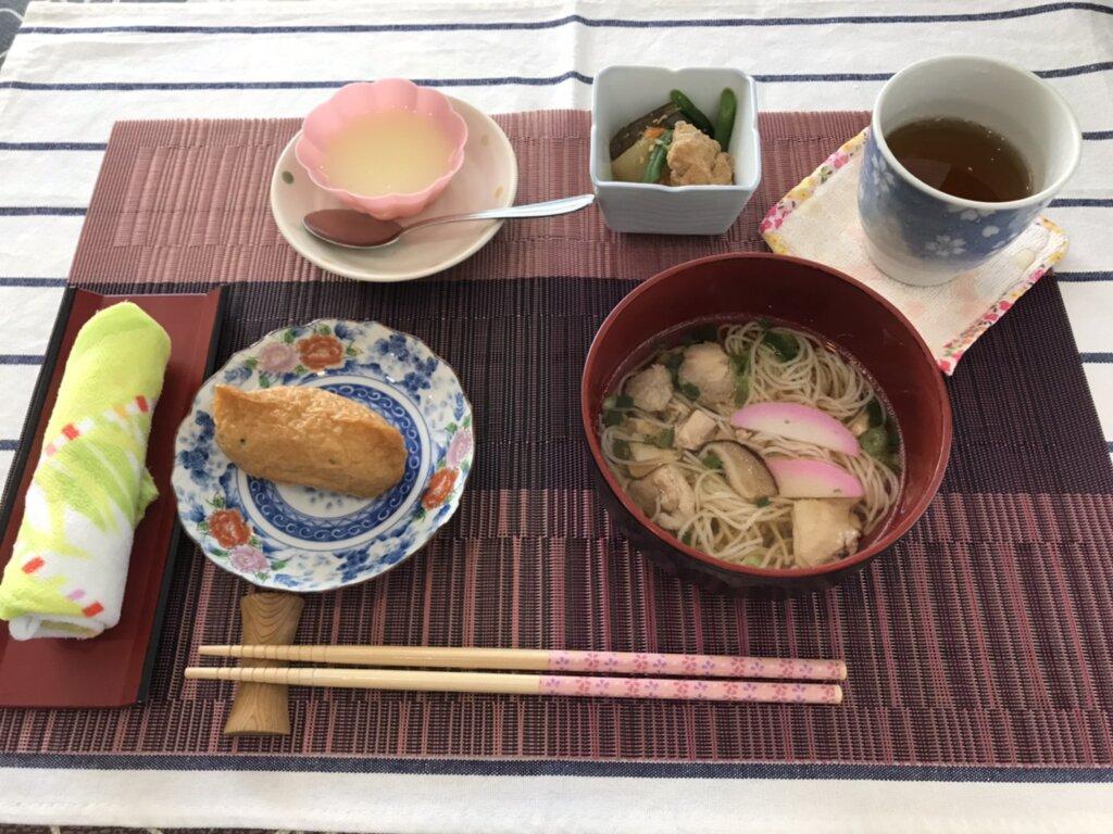 鹿児島 デイサービス スター倶楽部 昼食 いなり寿司&にゅう麺