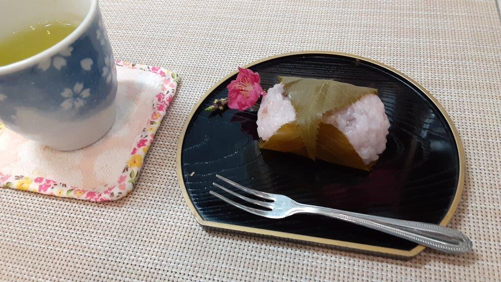 鹿児島 デイサービス スター倶楽部 おやつ 桜餅