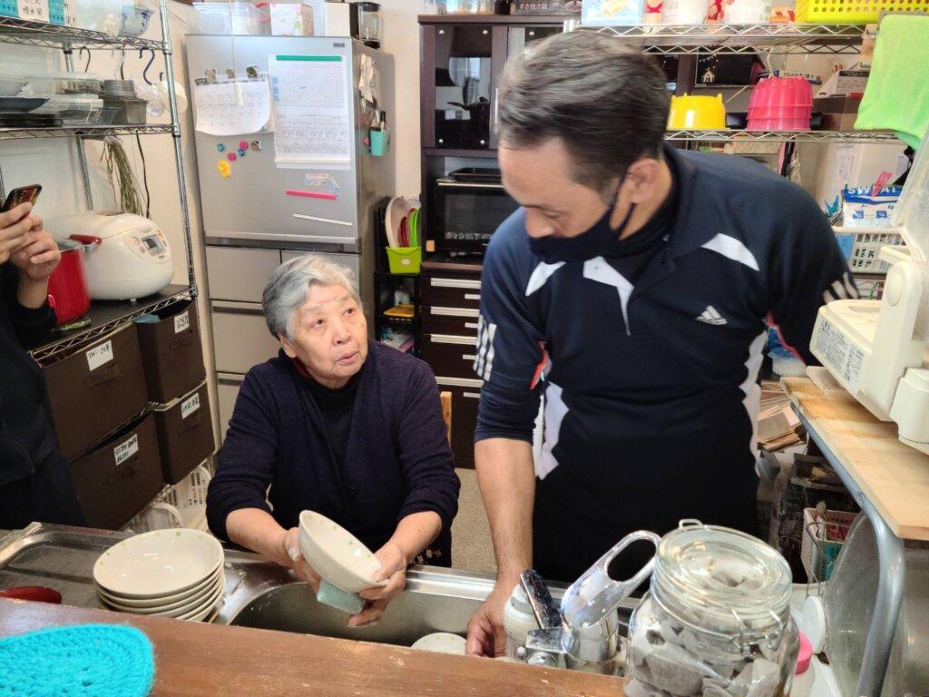 鹿児島 デイサービス スター倶楽部 機能訓練 皿洗い