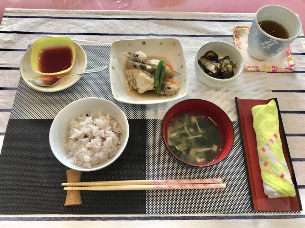 鹿児島 デイサービス スター倶楽部 昼食 鶏手羽の煮物