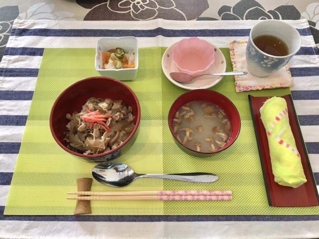 鹿児島 デイサービス スター倶楽部 ランチ 牛丼