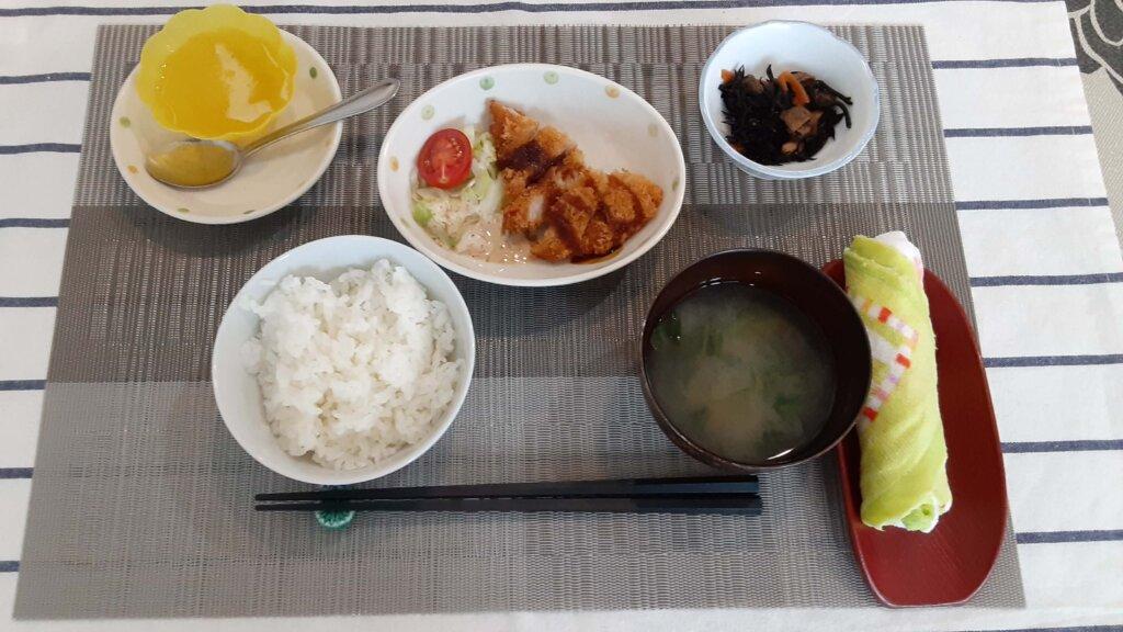 鹿児島 デイサービス スター倶楽部 ランチ 豚カツ定食