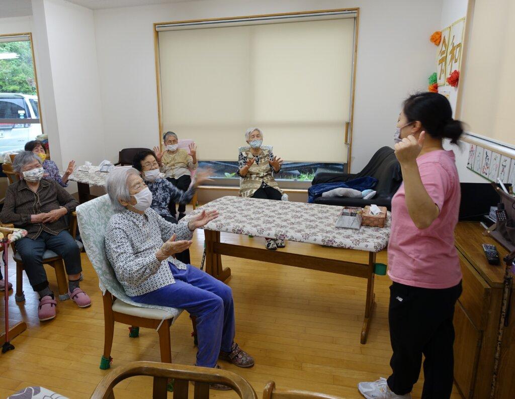 鹿児島 デイサービス スター倶楽部よしの 体操 脳活性化