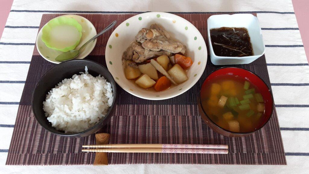 鹿児島 デイサービス スター倶楽部 ランチ 鶏手羽の煮物