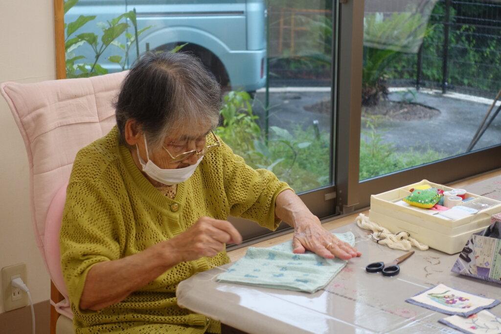 鹿児島スター俱楽部よしの 裁縫活動 作業
